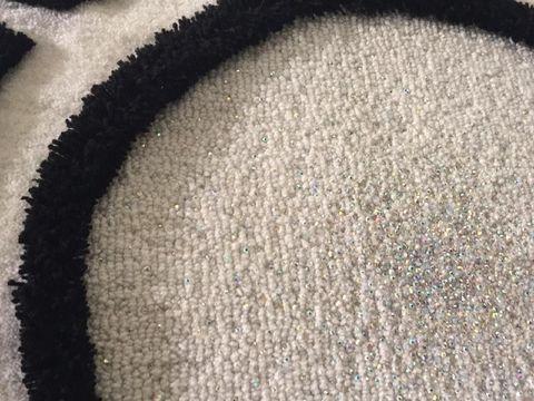 Unik, Didi Budiardjo Menciptakan Karpet Bertabur Swarovski