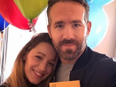 Menjalani hubungan pernikahan selama enam tahun, membuat Ryan dan Blake Lively semakin intim. (Foto: Instagram @vancityreynolds)
