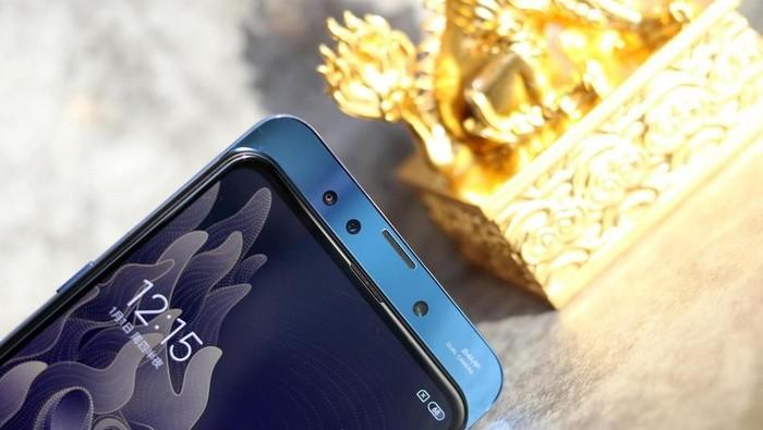 Mi Mix 3, ponsel yang dipamerkan Xiaomi dalam acara di New York tapi belum akan dijual di AS (Foto: Sina Mobile)