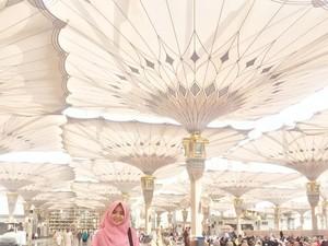 Perjalanan Seru Sang Pemenang Hijab Hunt Diajak Nikah Saat Umrah