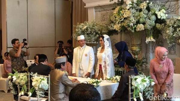 Angela Lee Bebas, Duka Ayu Dewi hingga Ge Pamungkas Nikah