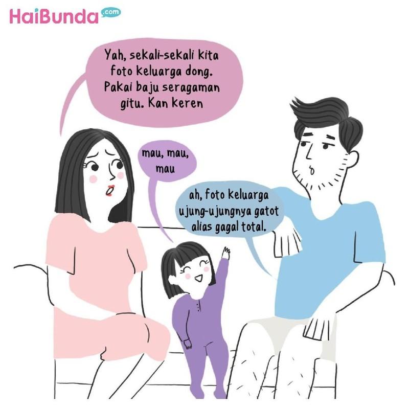 Begini cerita keluarga Bunda di komik ini untuk dapat foto keluarga yang kece. Di keluarga Bunda dan Ayah, ada cerita apa terkait foto keluarga? Share yuk.
