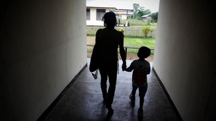 Peran sektor pendidikan dianggap penting untuk menghilangkan stigma pengidap HIV AIDS. (Foto: Ulet Ifansasti/Getty Images)