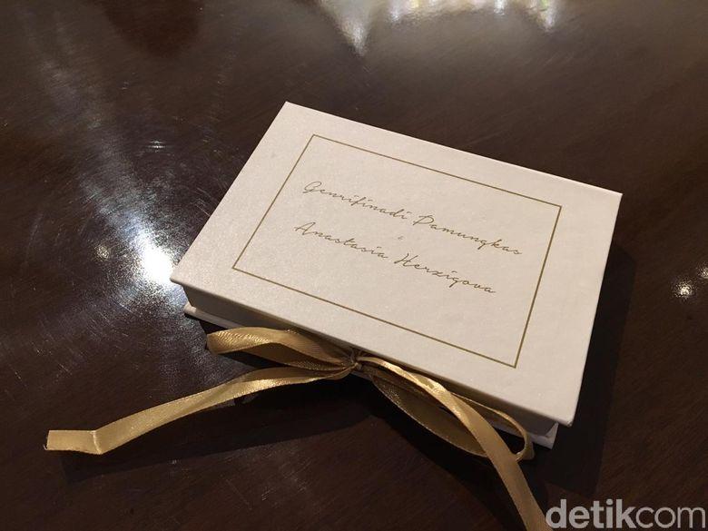 Bentuk souvenir di pernikahan Ge Pamungkas. Foto: (Monica Arum Tiyasworo/detikcom)