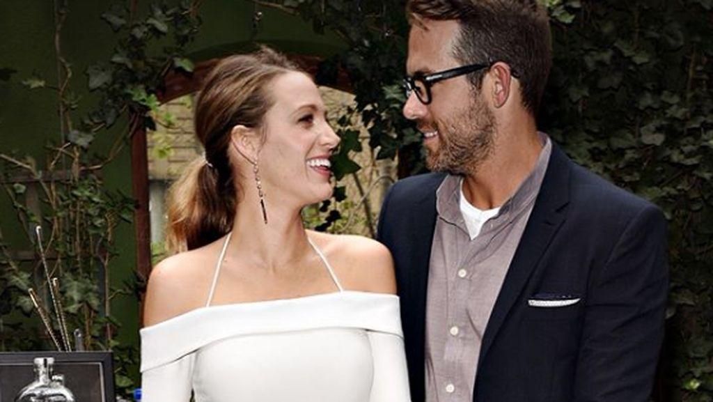 7 Momen Romantis Ryan Reynolds bersama Istri, Blake Lively