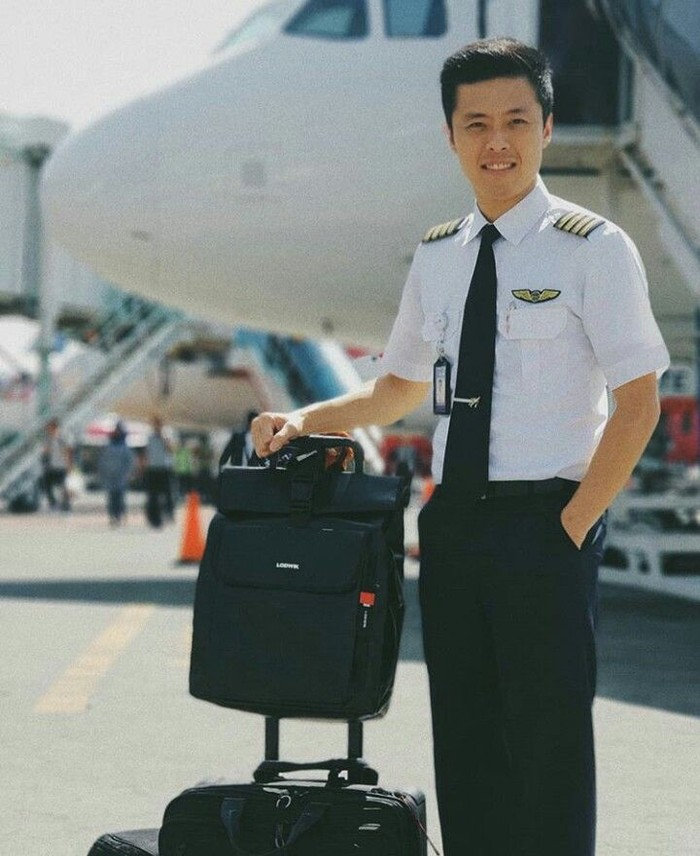 Pilot maskapai Batik Air, Vincent Raditya sangat gemar membuat video seputar penerbangan. Channel YouTube-nya pun kini sudah ditonton banyak orang. Foto: Instagram @vincentraditya