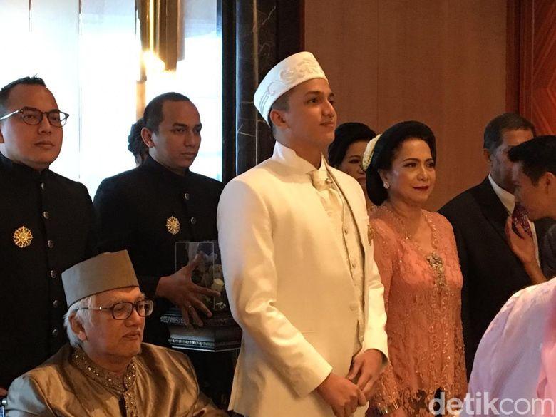 Ge Pamungkas dan tampak sudah tiba di Ballroom Intercontinental, Jakarta. Foto: (Monica Arum Tiyasworo/detikcom)