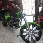 Harley-Davidson Road King 2006, Si Hijau Bergaya Chopper