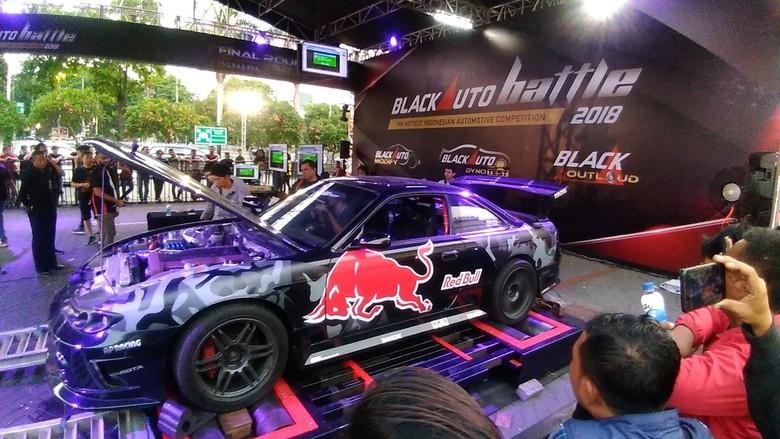 Blackauto Battle Surabaya. Foto: Deny Prastyo Utomo