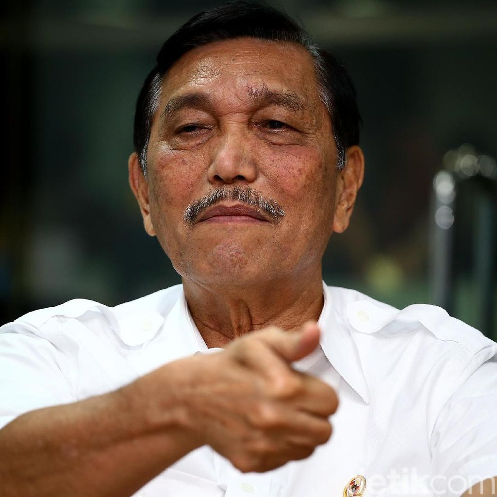 Hoax Luhut Cium Kaki Prabowo, BPN: Ada Pihak Ketiga Coba Adu Domba
