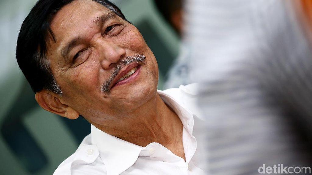 Dikunjungi Prabowo di Kantor, Luhut: Makan Siang Saja