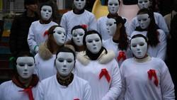 Hari AIDS Sedunia diperingati tiap tanggal 1 Desember. Pesan-pesan soal pencegahan HIV (Human Immunodeficiency Virus) disampaikan dengan berbagai cara.