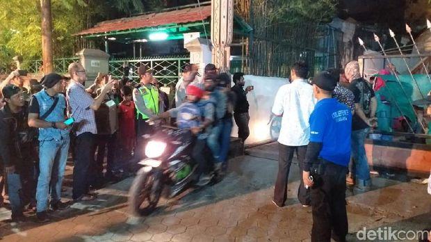 Penjagaan asrama mahasiswa Papua dijaga ketat/
