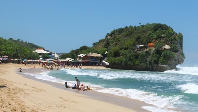 5 Hal Menarik Pantai Indrayanti di Jogja (Saninatun Fatimah/dTraveler)