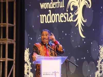 Ke Beijing, Menpar Janji Selesaikan Polemik Wisatawan China di Bali