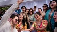 Kebahagiaan Priyanka Chopra dan Nick Jonas usai resmi menjadi suami-istri. Foto: (dok. Instagram Priyanka)