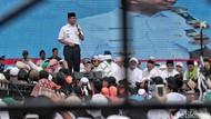 Potret Aksi Anies Baswedan Berbaju Dinas di Reuni 212