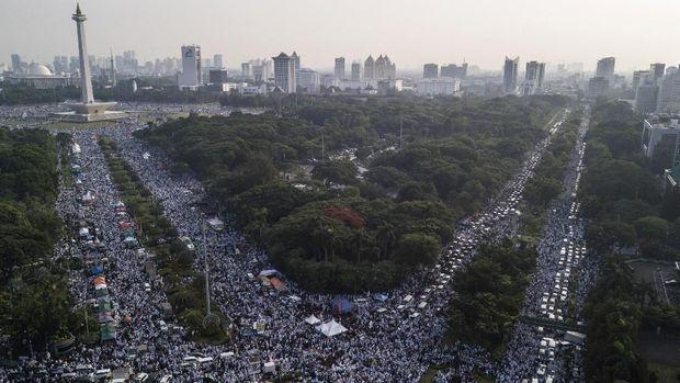 Aksi reuni 212 menjadi salah satu isu yang kompak dibicarakan para pendukung Prabowo-Sandi.