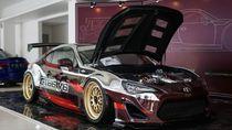 Ratusan Mobil Modifikasi Adu Cantik di Senayan