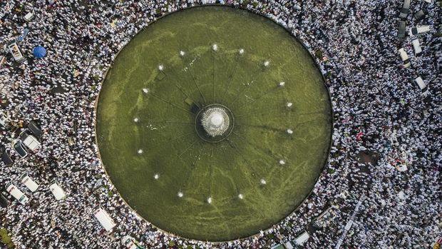 Andi Arief Klaim Massa 212 Lebih Besar dari Reformasi 1998