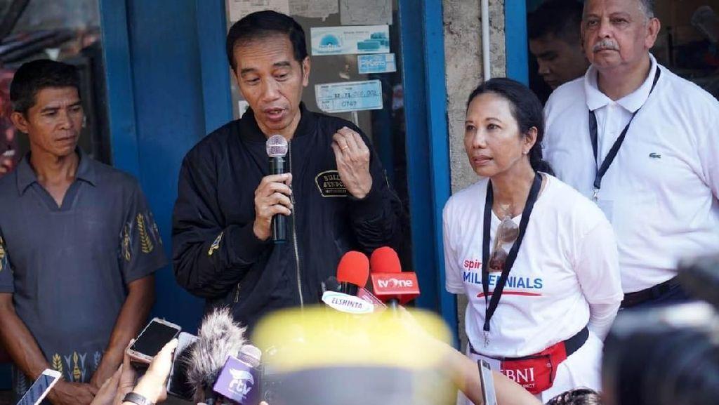 Gaya Jokowi Kasih Sambungan Listrik Gratis di Jawa Barat