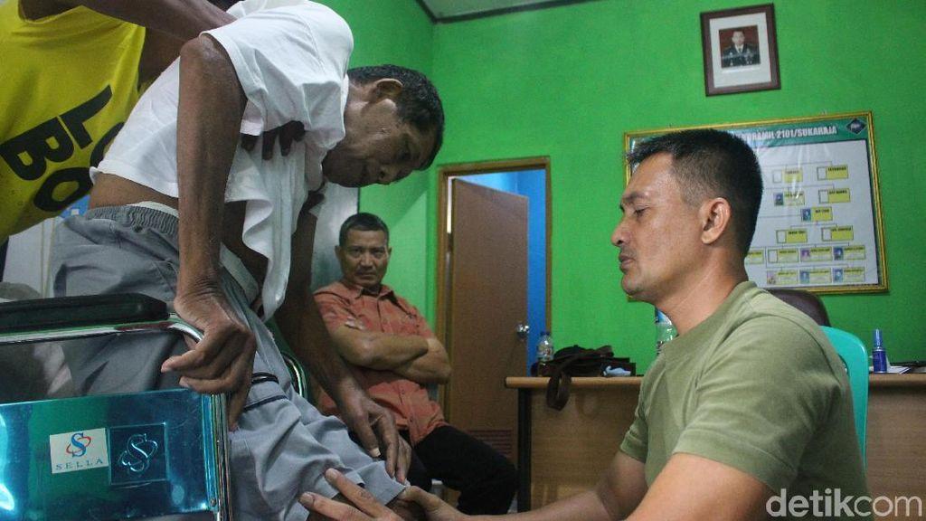Antrean Pasien Menunggu Disetrum Terapi Listrik Kapten Tatang