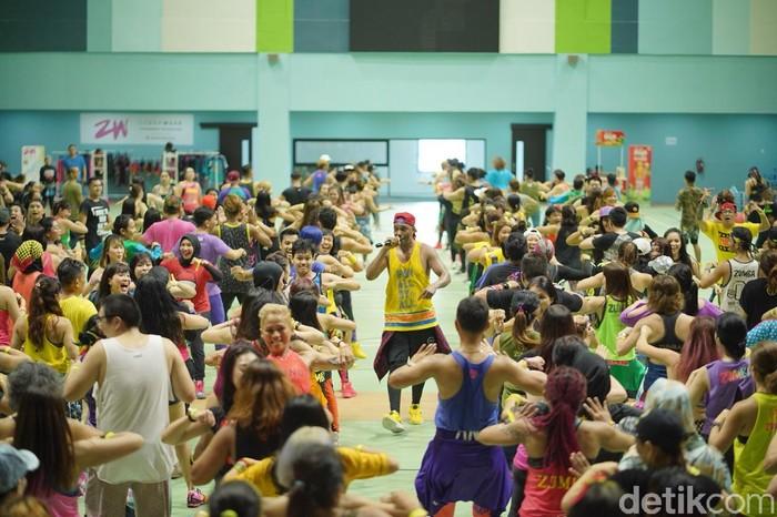 Acara yang diselanggarakan oleh Zin Academy ini menghadirkan lebih dari 500 instruktur zumba dari seluruh penjuru negeri. (foto: Ayunda/detikHealth)