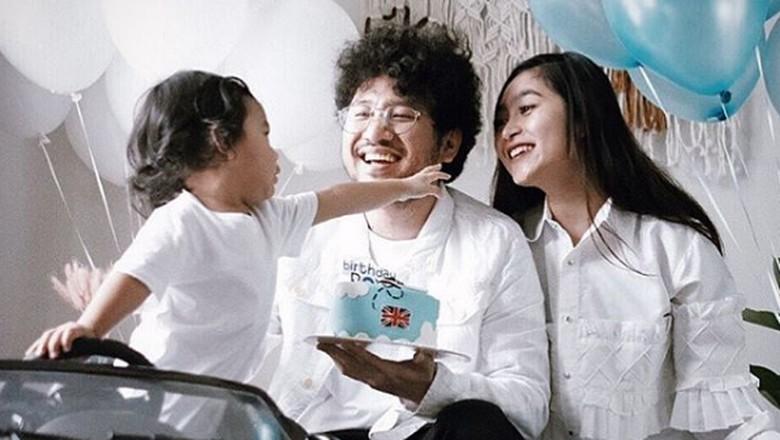 Menguras Air Mata, Curhat Istri Kunto Aji Saat Awal Menyusui/ Foto: Instagram