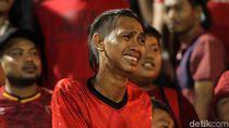 Tangisan Pendukung PSM Makassar di Stadion PTIK