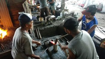 Dulu Jualan Keliling, Kini Pria Ini Bisnis Alat Pertanian Tradisional