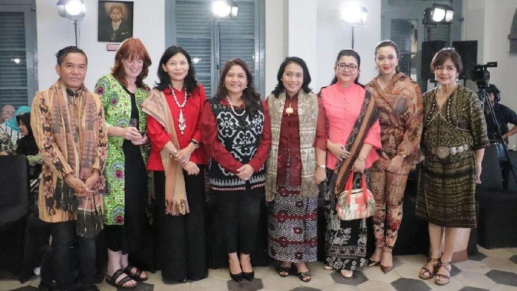 Lestarikan Seni Ramah Lingkungan, Kemendes Gelar Eco Fashion Week