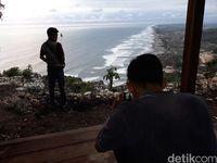 Wisatawan asyik foto-foto (Pradito Rida Pertana/detikTravel)
