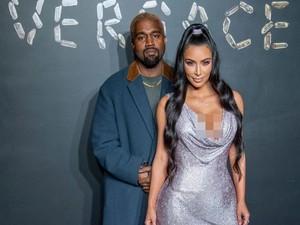 Hadirkan Kenny G, Kado Kanye West untuk Kim Kardashian di Hari Valentine