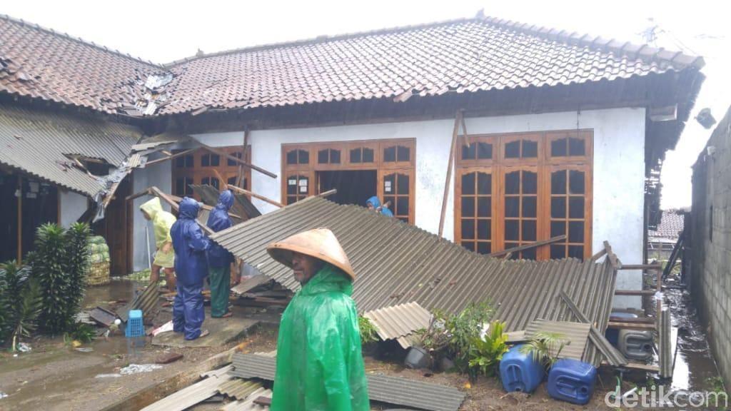 Angin Kencang Terjang Lereng Merapi Boyolali, Puluhan Rumah Rusak