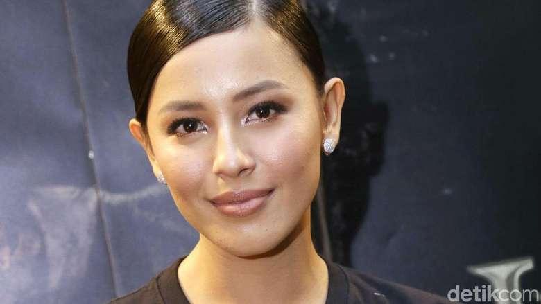 Syuting Film Horor Bareng Anya, Nina Kozok Ngaku Stress