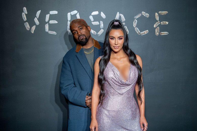 Kanye West dan Kim Kardashian saat menghadiri acara di New York, Amerika Serikat pada akhir pekan lalu.Roy Rochlin/Getty Images