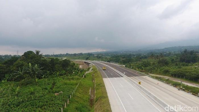 Jalan tol Bogor-Ciawi-Sukabumi (Bocimi) seksi I telah diresmikan pada Sabtu (1/12/2018) lalu. Tol sepanjang 15,35 kilometer itu digratiskan selama seminggu.