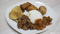 Ada Mie Aceh dan Gudeg Jogja Enak di Sini