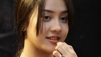 Anya Geraldine melebarkan sayapnya hingga ke dunia film. Ia pun turut berakting di film horor Tusuk Jelangkung di Lubang Buaya. Foto: (Palevi/detikhot)