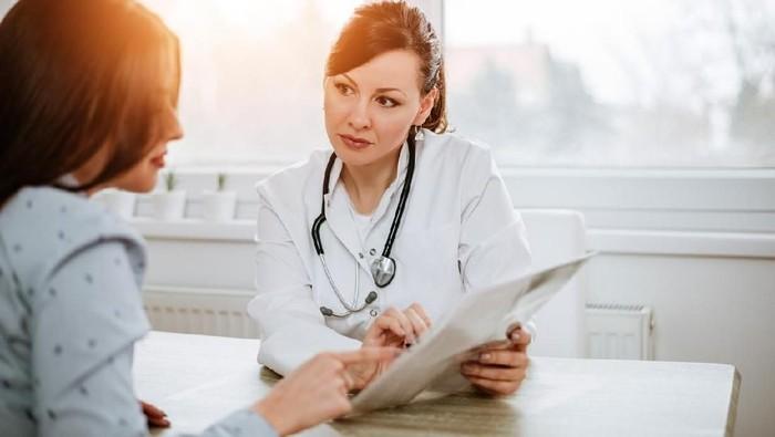 Ilustrasi program wajib kerja dokter spesialis (WKDS). Foto: iStock