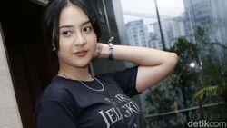 Diminta Netizen, Anya Geraldine Akhirnya Makan di Warteg