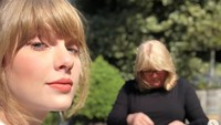 Orang lebih sering melihat Taylor tampil dengan gaun dan dress mewah ataupun kostum di atas panggung. Namun saat bersantai di rumah, seperti apa penampilannya? Foto: Dok. Instagram/taylorswift