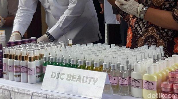 Kosmetik ilegal bertajuk Derma Skin Care (DSC)/