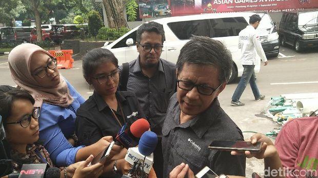 Rocky Gerung Penuhi Panggilan Polisi soal Kasus Ratna Sarumpaet