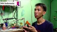 Video: Ahmad, Penyandang Disabilitas yang Jago Rakit Robot