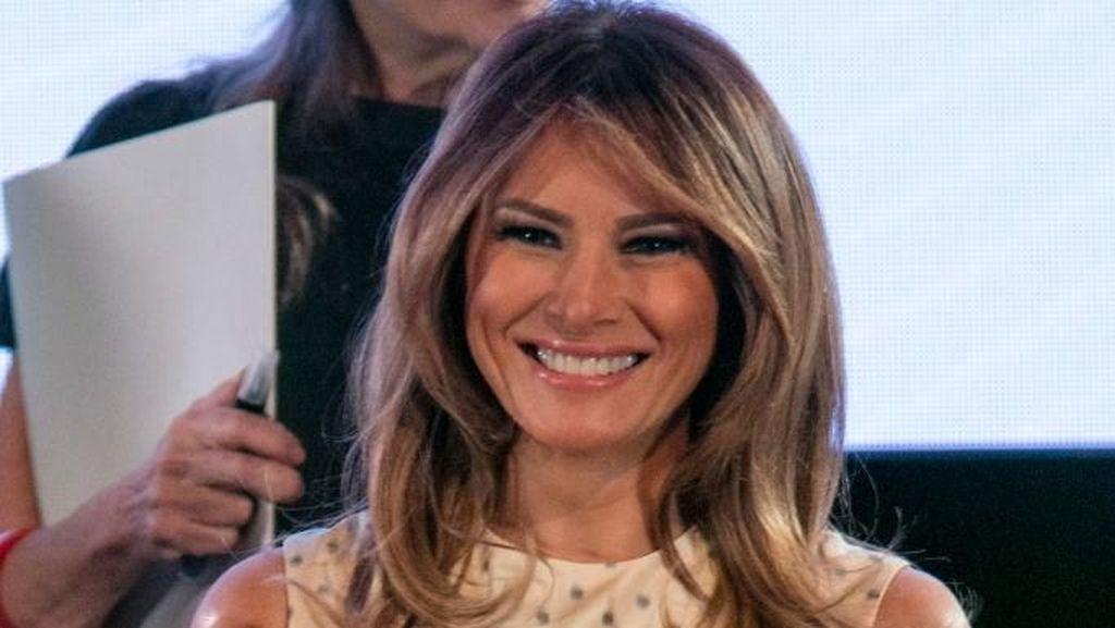 Foto: Gaya Melania Trump Pakai Gaun Dior Rp 140 Juta di KTT G20