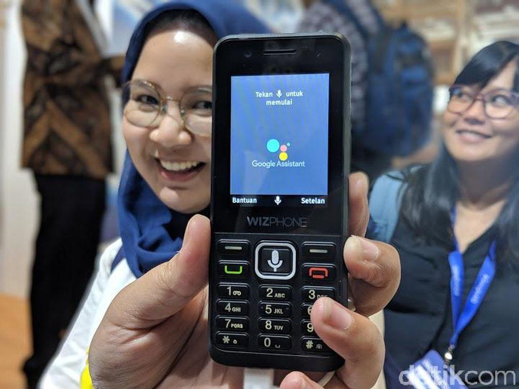 Ponsel yang menjalankan KaiOS diperkenalkan di ajang Google for Indonesia. Foto: detikINET/Adi Fida Rahman