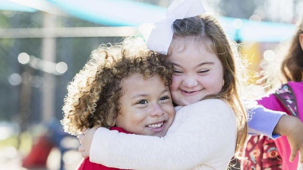 4 Cara Mengajak Anak Menghargai Penyandang Disabilitas