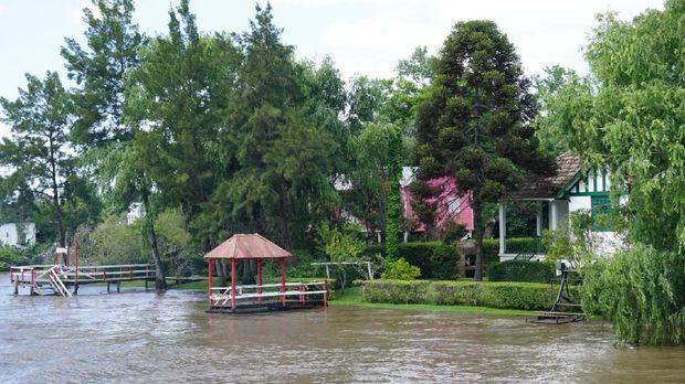 Sungai Rio Sarmiento di Argentina