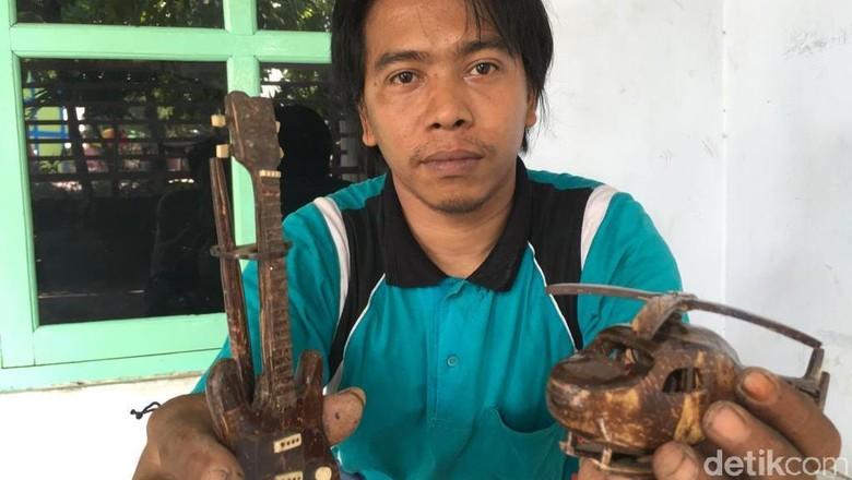 Berkah Pemuda Mojokerto yang Sulap Limbah Batok Kelapa Jadi Kerajinan